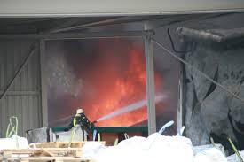 Virtuelle Chronik Der Deutschen Jugendfeuerwehr Fabrikhallen Abgebrannt Ca 2 Mio Euro Schaden