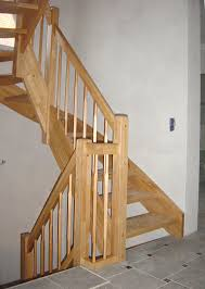 buche treppe holztreppen schaffen ein behagliches wohnklima