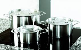 s kitchenware parade are aluminum pots and pans harmful