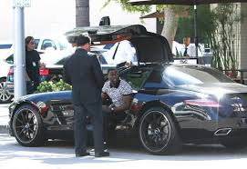 amg sls mercedes kevin hart spotted in his mercedes sls amg