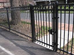 montage ornamental steel fencing maintenance free