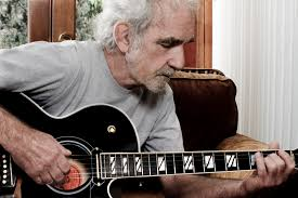 want to play like johnny cash learn the boom chuck rhythm in 3