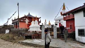 land rover darjeeling sandakphu u2013 phalut darjeeling 8000 u2013 mountain monks