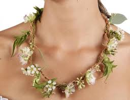 flower necklace images Huckleberry make your own fresh flower necklace kikkerland jpg