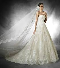wedding dresses sale trunk shows brides want to designer here comes the guide