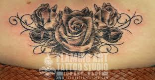 roses on back tattoo tattooed by johnny at flaming art ta u2026 flickr