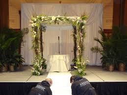 wedding arches chicago philadelphia chuppah rental wedding chuppahs arches kremp