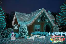 Blue Christmas Outdoor Decorations by Pictures Of Houses With Christmas Lights Google Search Fun