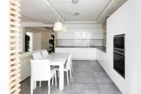 table et chaises de cuisine design design interieur cuisine moderne blanche table chaises blanches