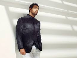 john abraham in new stylish suit photo