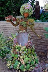 20 ideas for garden sculptures to make your own interior
