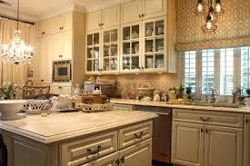 repeindre sa cuisine cuisine repeindre sa cuisine en bois avec marron couleur repeindre