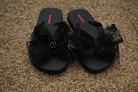 Decorate Flip Flops A Quick And Easy Way To Rhinestone Shoes Classy Clutter