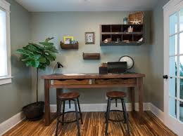 Diy Rustic Desk How To Build A Rustic Office Desk How Tos Diy