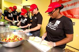 nascar driver jeff gordon helps campus kitchen at uga prepare