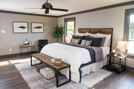 Bachelor Pad Bedroom Fixer Upper Design Tips A Waco Bachelor Pad Reno Hgtv U0027s