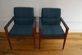 jens risom danish modern plaid walnut lounge chairs galaxiemodern