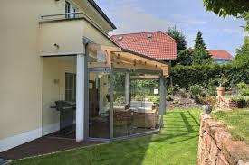 balkon und terrasse geschützte terrasse dank glasdach und verglasung bei homburg an