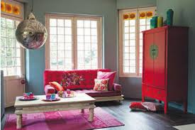 canap fushia salon canapé fushia et armoire maison du monde