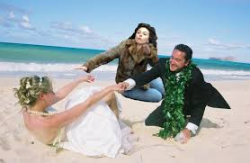 Scarlett Johansson Memes - scarlett johansson falling down on beach wedding scarlett