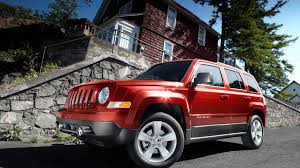 jeep stalling nhtsa to probe 2011 2012 jeep patriot stalling fears autoblog