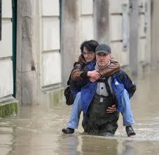 Sparkasse Bad Schandau Hochwasser Protokoll Elbe Steigt In Dresden über Die 7 Meter