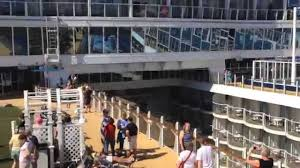 time lapse video walking the oasis of the seas top to bottom