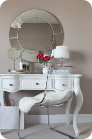 Acrylic Vanity Table Best 25 Small Vanity Table Ideas On Pinterest Small Makeup