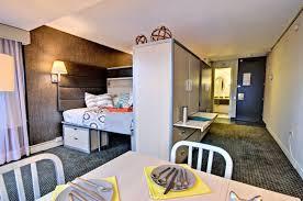 bail chambre chez l habitant chambre à louer chez l habitant colocation montréal canada roomlala