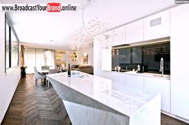marmorplatte küche wohnideen küche modern weiß hochglanz marmor kochinsel