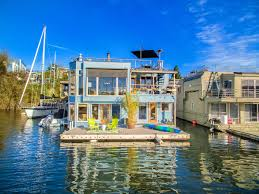 Sleepless In Seattle Houseboat by Seattle Lake House