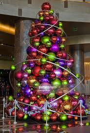 Christmas Decorations In Las Vegas Large Christmas Tree Ornaments Christmas Decor Ideas