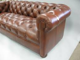 Ethan Allen Chesterfield Sofa Amazing Ethan Allen Chesterfield Sofa With This Is A Higgins Sofa