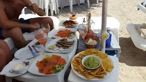 si e relax cibo e relax gustandosi uno splendido panorama picture of es
