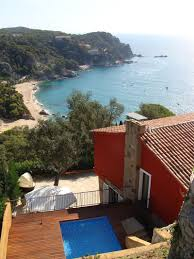 spectacular coastal house on spain u0027s costa brava