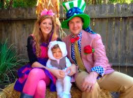 alice in wonderland costume halloween city family halloween costumes that prove dressing up is not just
