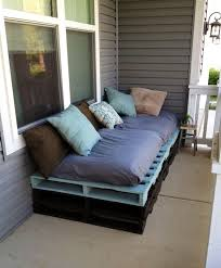 Pallet Sofa Cushions by Best 25 Outdoor Pallet Ideas On Pinterest Outdoor Pallet
