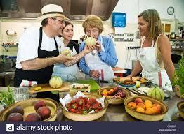 cours de cuisine vaucluse cavaillon photos cavaillon images alamy
