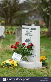 ship flowers fresh flowers from the titanic historical society on the grave of