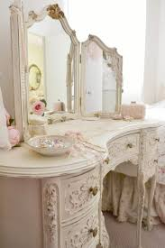 Shabby Chic Table by Best 25 Shabby Chic Vanity Ideas Only On Pinterest Vintage