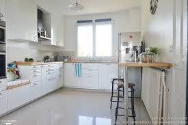 coté maison cuisine une cuisine lumineuse blanche et bois adc l atelier d à côté côté