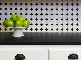 black and white kitchen backsplash