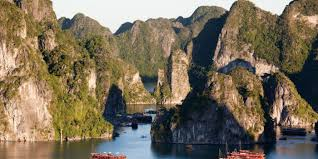 floating villages and markets of the mekong delta yampu tours halong bay vietnam5
