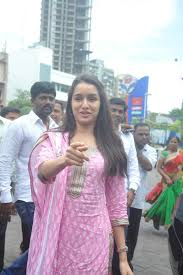 Seeking Mumbai Shraddha Kapoor Snapped At Siddhivinayak Temple In Mumbai For