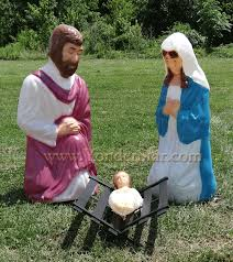 outdoor nativity holy family size lighted nativity set
