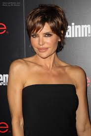 50 yr womens hair styles lisa rinna modern pixie haircut for a 50 years old lady