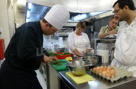 stage de cuisine gastronomique dijon cours de cuisine dans un restaurant gastronomique de référence