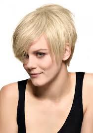 coupe femme cheveux courts coupes courtes cheveux raides pansyperylaura