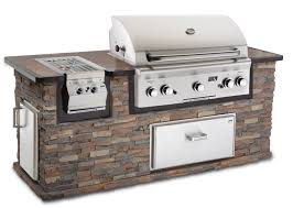 Built In Gas Grills Outdoor Kitchens Built In Free Standing Grill And Sitting Walls