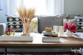 5 tips for an eclectic fall coffee table inspired by charm